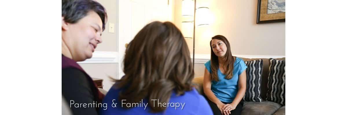 KimFamilyTherapy2_Fotor